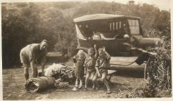 Family History Photo of the Week Winner (22 January 2016): Edward Thompson & children on holiday