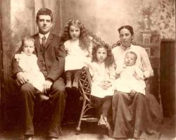 Family History Photo of the Week Winner (15 July 2016): Frank and Melinda Carter Family