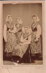 Family History Photo of the Week Winner (28 November 2014): Anna, Alma and Julia Hjortzberg