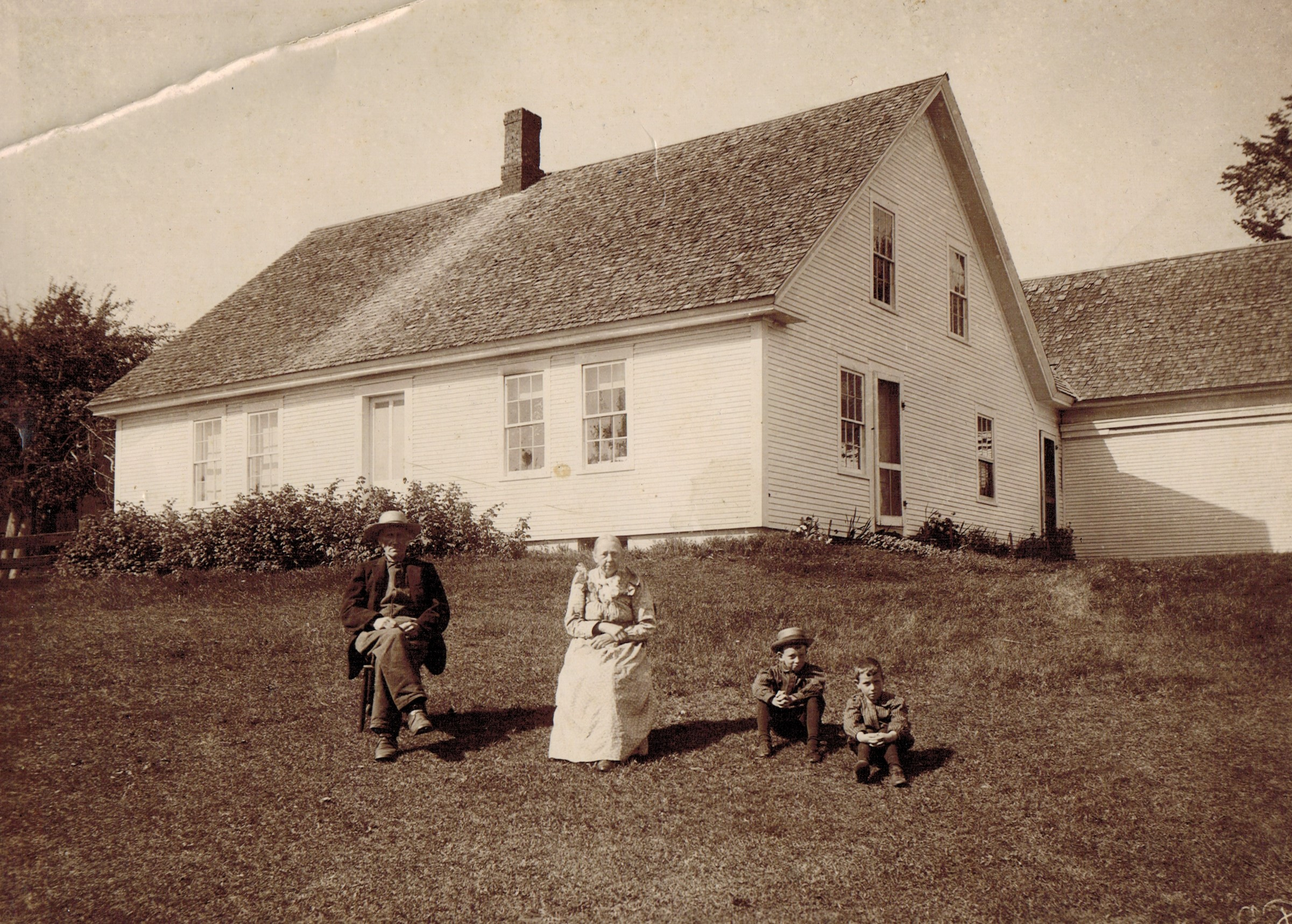 David Martyn Smith and Lois Thompson Smith on their farm in Williamstown, Vermont, with grandsons John and Percy Smith