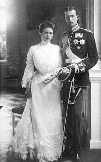 Alice Battenburg with her husband Prince Andrew of Greece