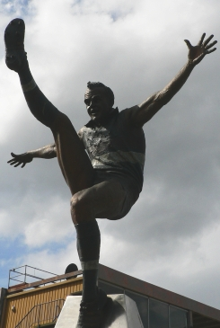 Statue of Ted Whitten