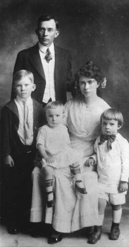 Francis and Hannah Nixon Family 1917