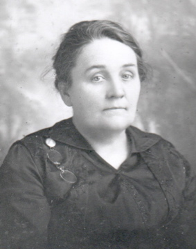 Sarah McGowan in Middle Age