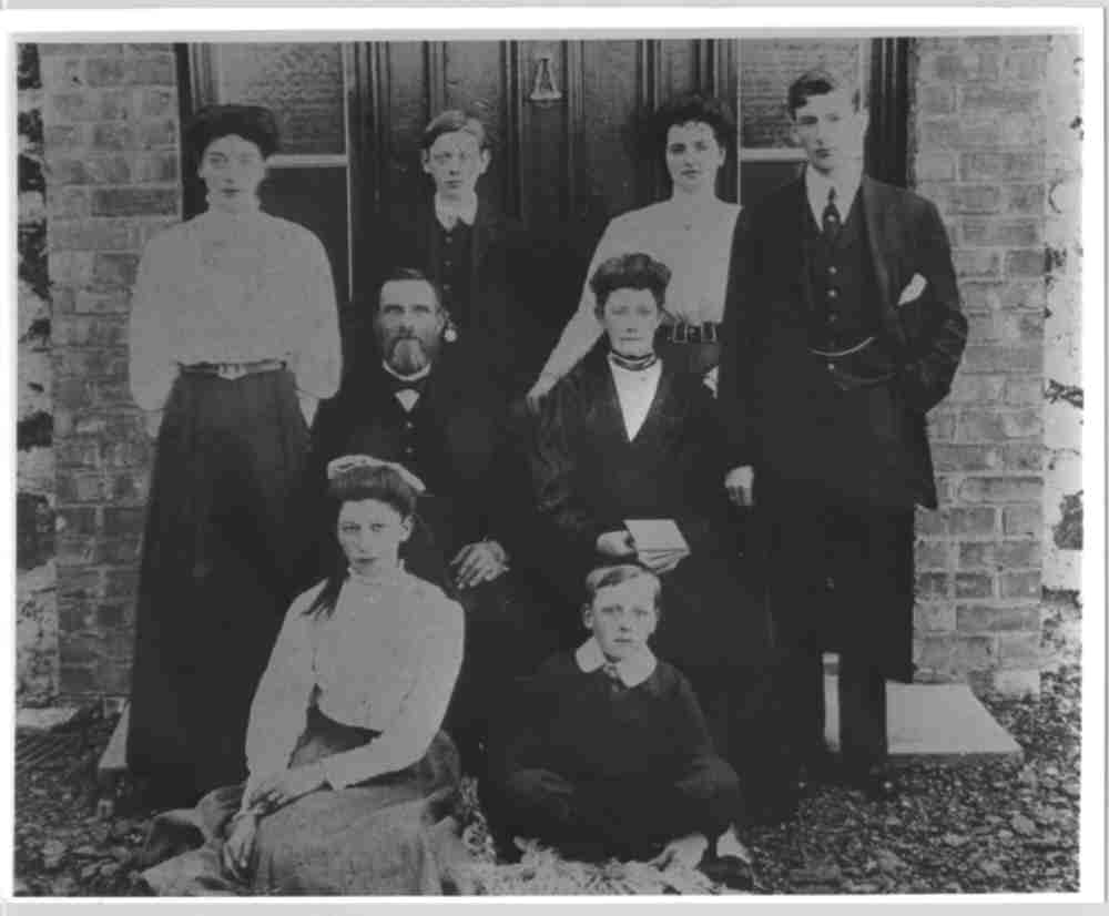 William and family, 1910