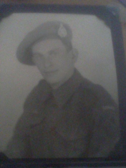 This is my father's brother , Clarence James Isleman ( Isleman-9) who joined the Canadian forces during WW2 , he was in the A/22131 Private Essex Scottish Reg, I do not know the reason why he joined the Canadian Army as he was an American born in West Virginia , died in Toronto , Ohio
