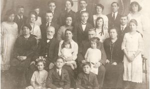 The Reeves Family having returned to England from Australia were photographed with the Hills and Johnston families - see comment for details of people in the photo.