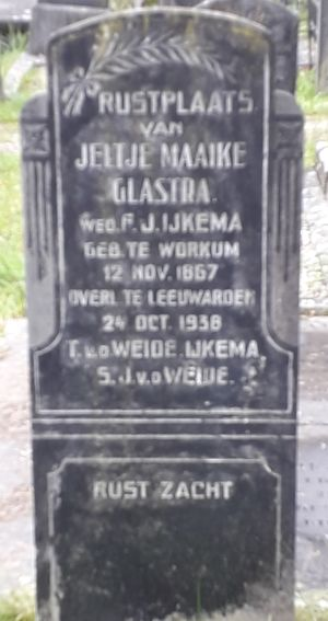 Headstone at the Huizumer cemetery in Leeuwarden