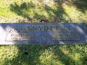 Robert and Margaret Snyder tombstone.
