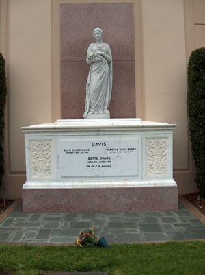 Tomb of Bette Davis, mother Ruth and sister Barbara