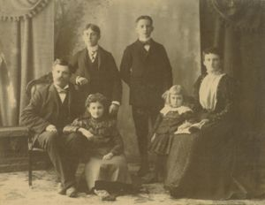 John and Annie Henley Family c. 1899