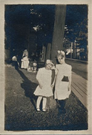 Ruth Winifred (Smith) Bazley with her older sister Muriel Louise (Smith) Young