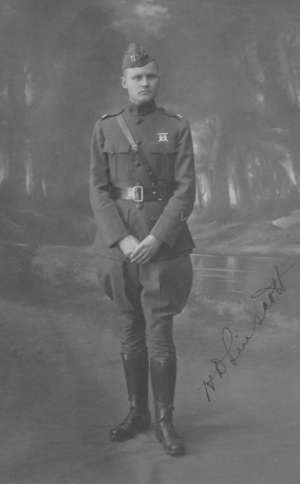 Capt. Dallas Linscott in France WWI