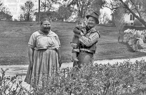 "Abel Green with wife Nina (""Sunshine"") and baby son Mark, about 1930"
