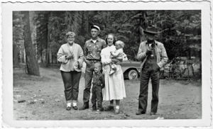 Hunt Family Reunion 1958, Norma Wilson, Harry & Donna Brown, Allen, Pam, and Grandad Brown