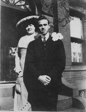 Allen Schweitzer with his aunt, Mary Davis Sonnenstrahl