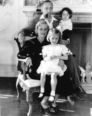 Dolores Costello with husband John Barrymore and children John Drew Barrymore and Dolores Barrymore (1934)