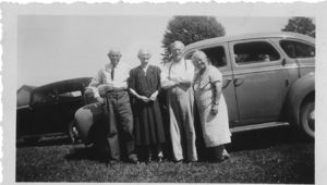 Robert Brown Snyder, Margaret Amelia Gibbs. Her brother, Oscar Gibbs and his wife Lanna Bell Ansel.