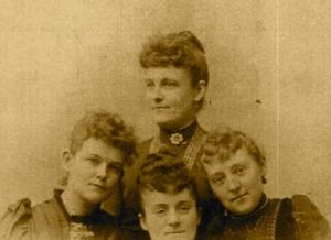 Catharine Auxer Niess and her sisters