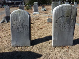 Lucy A Wing Dexter and Gilmore S Dexter headstones