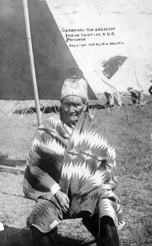 Geronimo as a U.S. prisoner in 1905