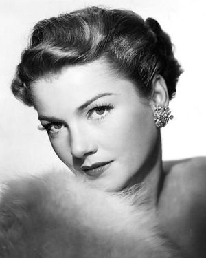 Publicity photo of American actress Anne Baxter