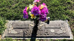 Photo of Headstone of Mr & Mrs Smith