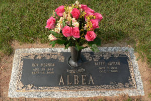 Roy and Betty Albea - Grave