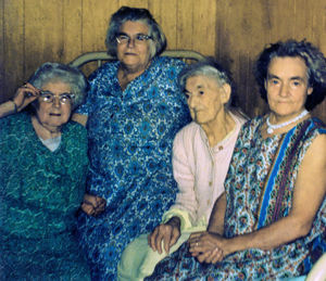 Sisters Hilda, Pearl, and Catherine, with their mother Margaret (Left to Right: Hilda, Pearl, Margaret, Catherine)