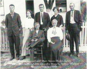 David and Mary Hinkle Lewis and family