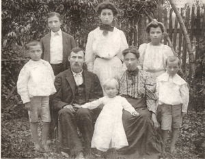 Family of Levi Murray and Lou Ella Vandiver Murray 1906