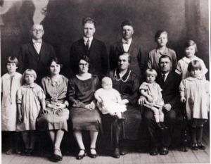 Edith Crabtree and family