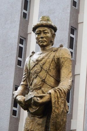 Statue of King Alaungpaya in front of the National Museum of Myanmar in Yangon