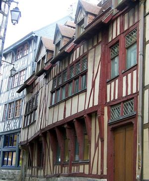 13th century streetview of Rouen